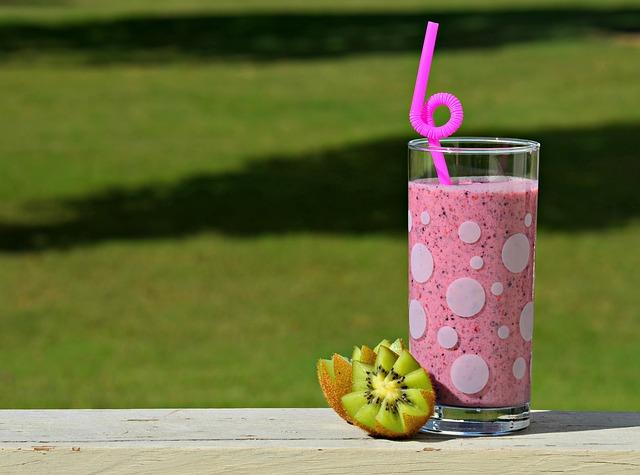 růžový nápoj