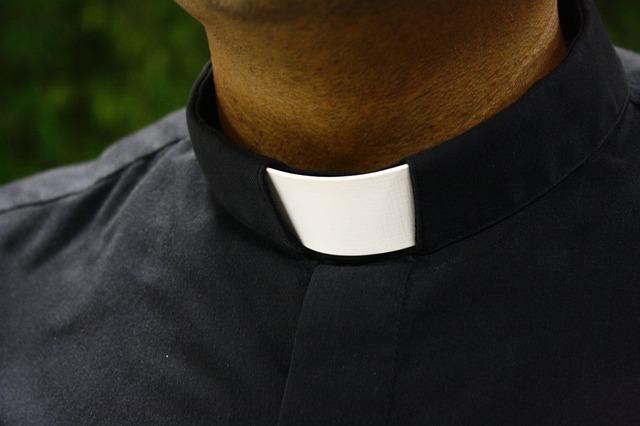 otec kněz