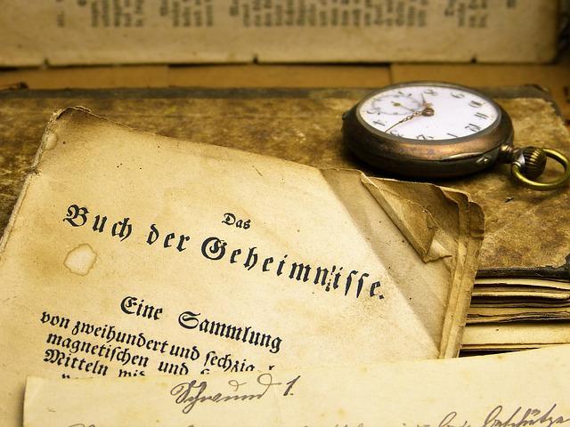 hodinky u knihy