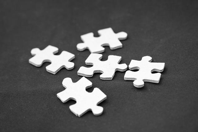 pět dílků puzzle