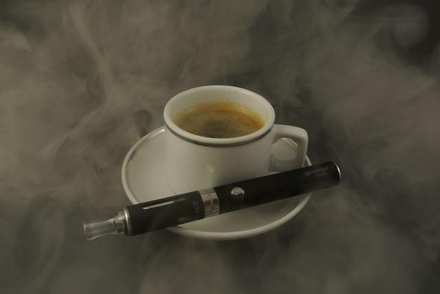 e-cigareta u kávy